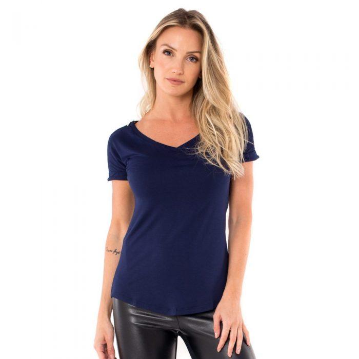 Parte da frente da blusa para amamentar na cor azul marinho. A blusa possui ziper nos ombros para facilitar a amamentação.