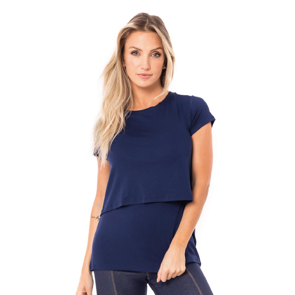 Parte da frente da blusa para amamentar na cor azul marinho. A blusa possui sobreposição para facilitar a amamentação.